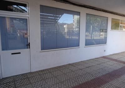 Bajo comercial en Avd. da Coruña – Ribeira